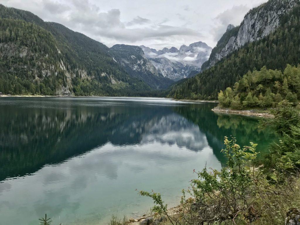 Gosausee - der bekannte Blick über den See auf den Dachstein & den Gletscher
